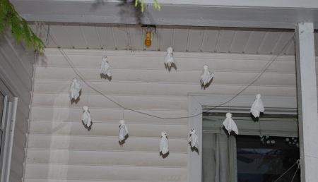 רוחות במרפסת